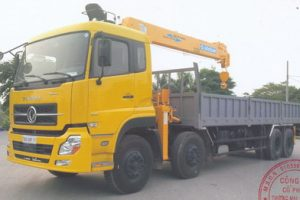 Xe tải Dongfeng 4 chân l315 gắn cẩu Soosan 7 tấn