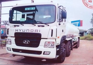 Xe Huyndai Xi téc Phun Nước Rửa Đường 4 Chân- 16m3