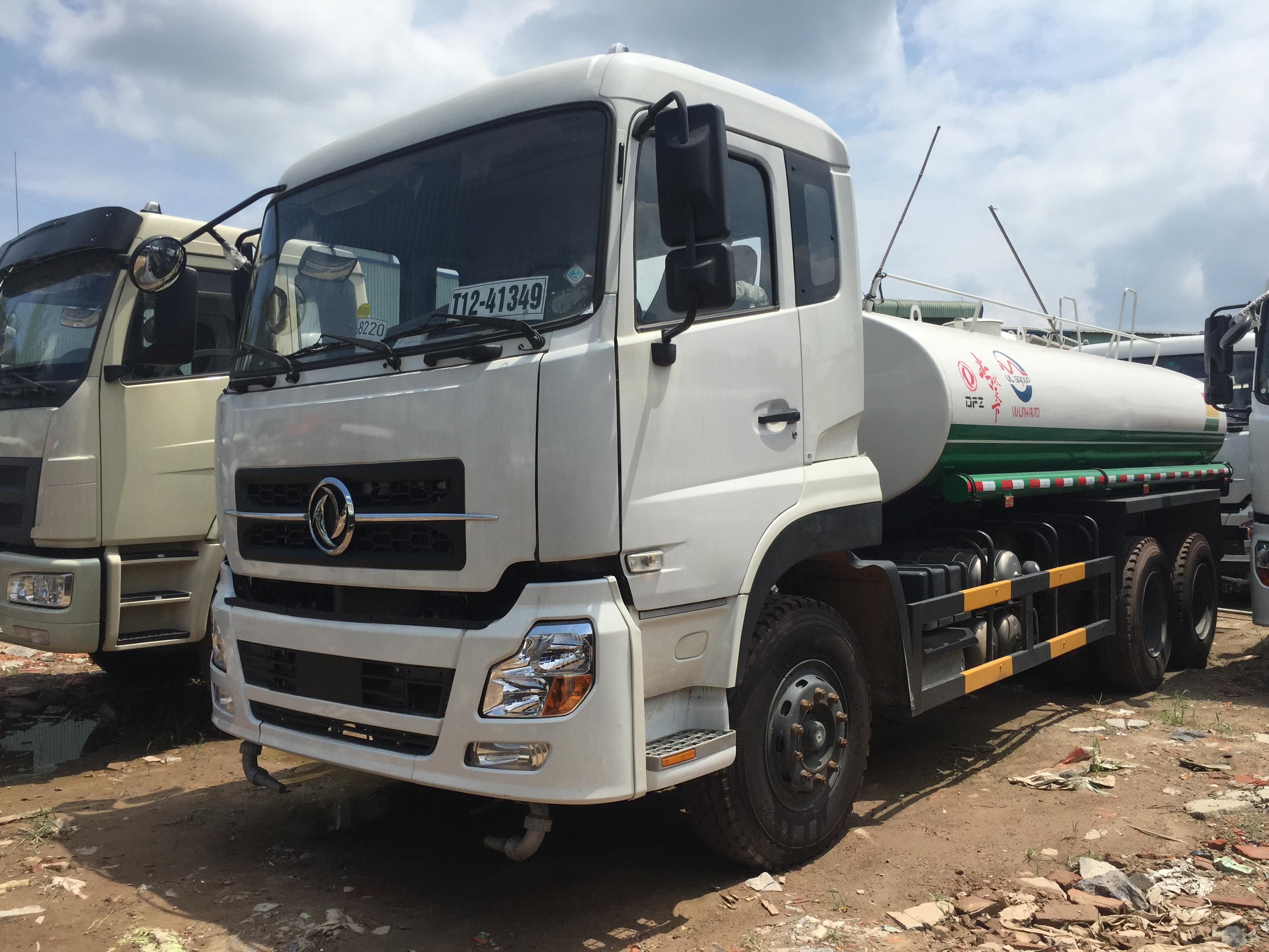 Xe phun nước rửa đường 13 khối dongfeng 2021