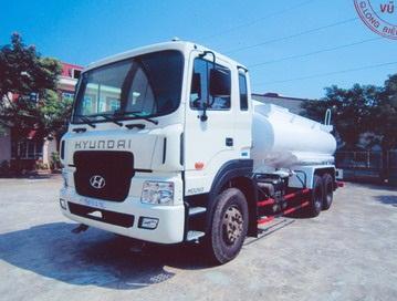 Xe phun nước rửa đường 13 khối hyundai 2021